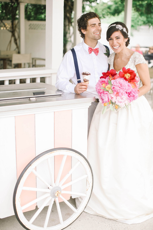 Congress_Hall_Style_Me_Pretty_ice_cream_cart_wedding_Reveriemade